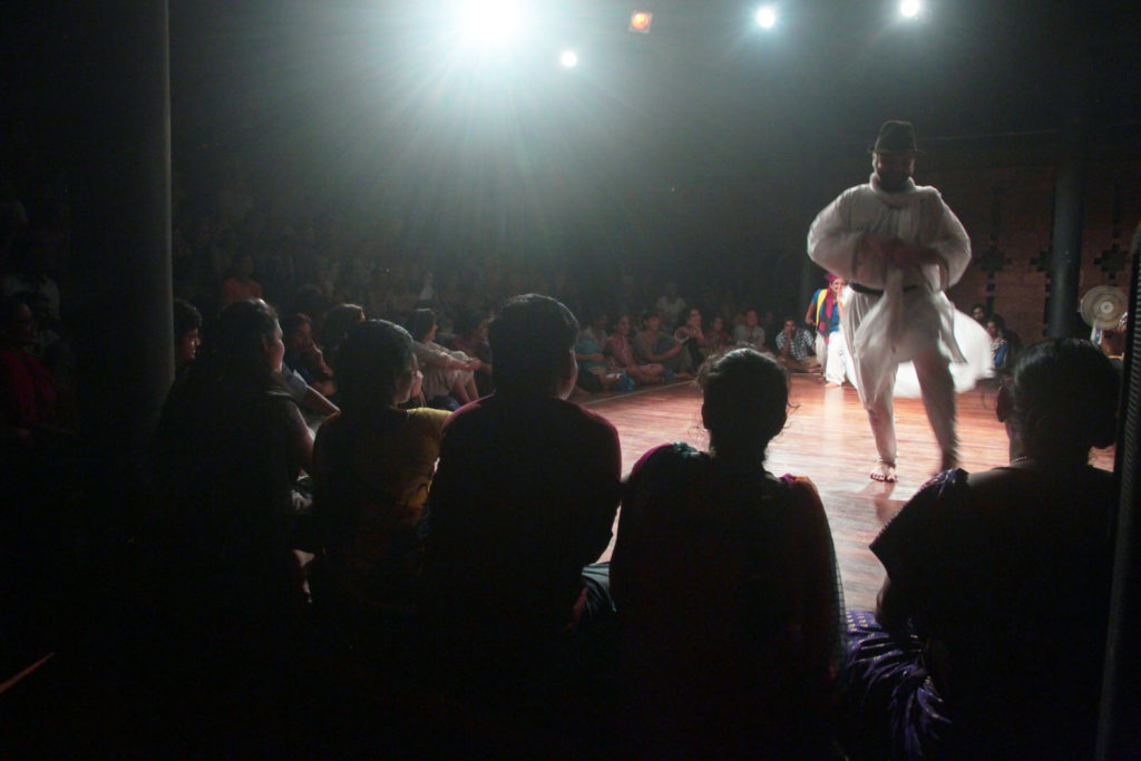 audience- indoor performance